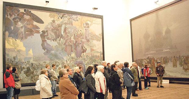 Slovanská epopej stále budí pozornost i velké emoce.