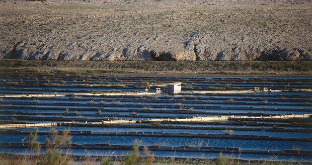 Solná jezera (saliny) na ostrově Pag