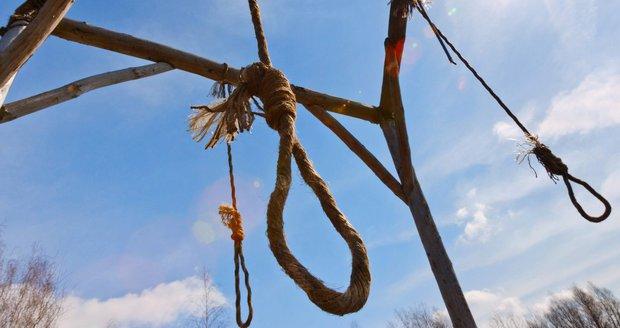 Hrůzný objev policie: Našli 19 těl, některá visela z mostu!
