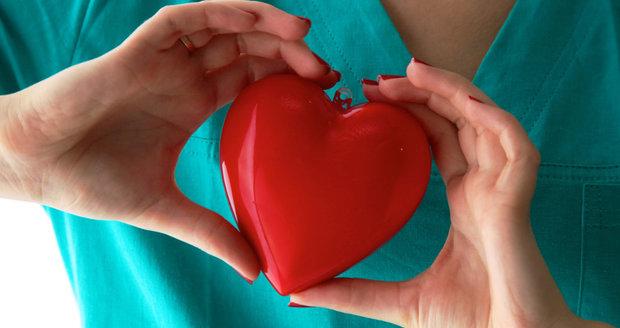 Vysoký cholesterol může vést k onemocněním srdce a cév.