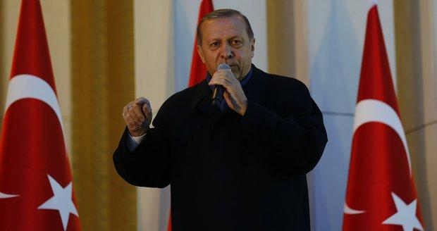 Komentář: Sultán Erdogan nastupuje, politicko korektní sen končí