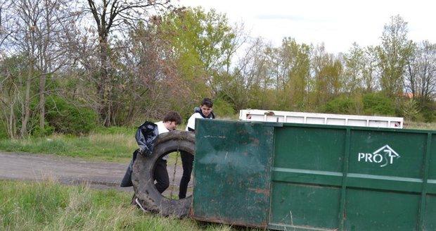 V Petrovicích se budou kontejnery na velkoobjemový, nebezpečný i bio odpad přistavovat až do prosince. (ilustrační foto)