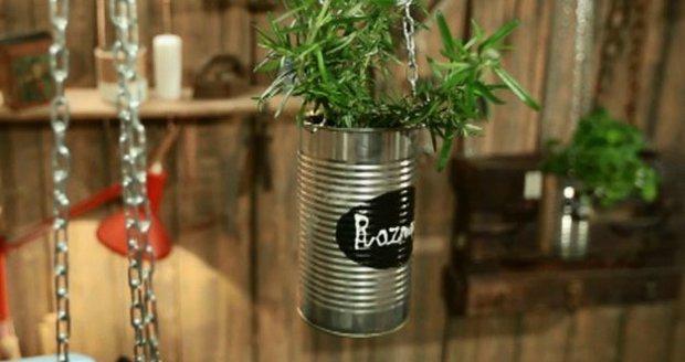 Vyrobte si závěsné květináče na bylinky!