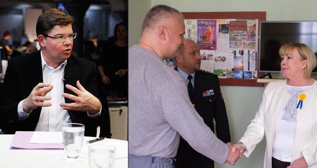 Zemanová u Kajínka štve Pospíšila: Hrad z milosti dělá reality show