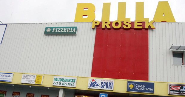 Nový parkovací dům by měl vyrůst v těsném sousedství obchodního domu Billa poblíž stanice metra Prosek.
