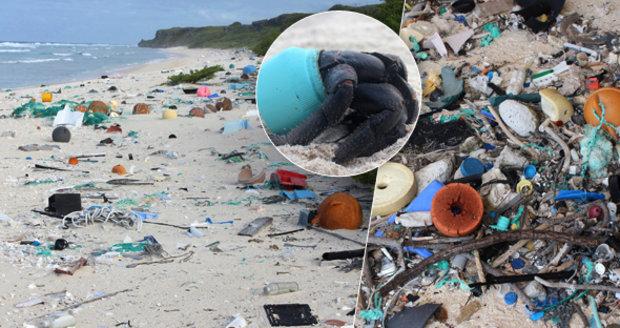 Nejznečištěnější ostrov planety: Idylický ráj pokrývají tuny plastového odpadu!