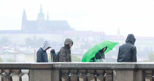 O víkendu bude v Česku spíše podzimní počasí