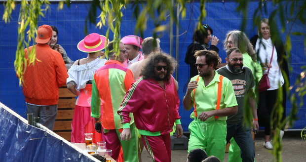Bláznivý koncert kapely Monkey Business v bláznivých kostýmech