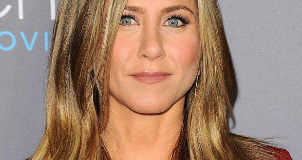 Jennifer Aniston  je druhou nejbohatší herečkou.