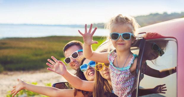 Chystáte se na dovolenou autem? Nezapomeňte na kontrolu vozidla!