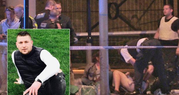 Pekař vzal teroristu po hlavě přepravkou. Pak Rumun zachránil 20 lidí