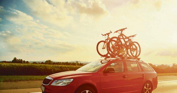 Budete na dovolené jezdit na kolech? POdívejte se, jak správně vybrat nosič!