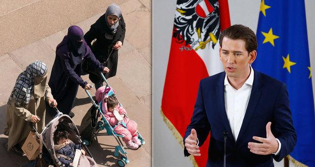 Ministr chce zrušit muslimské školky. Jen ve Vídni je v nich prý 10 tisíc dětí