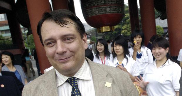 Jiří Paroubek v Japonsku v roce 2005: Návštěva chrámu Sesódži
