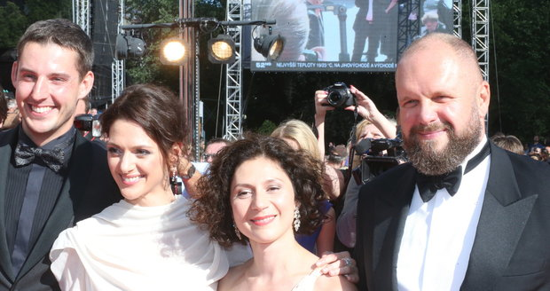 Klára Issová, Martha Issová a David Ondříček