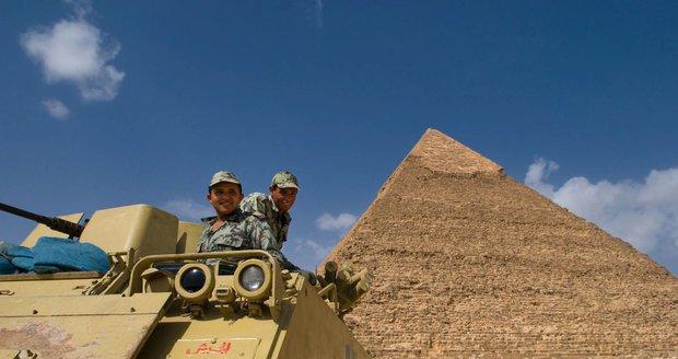 V Egyptě zabili 47 radikálních islamistů. O život přišla i pětice vojáků