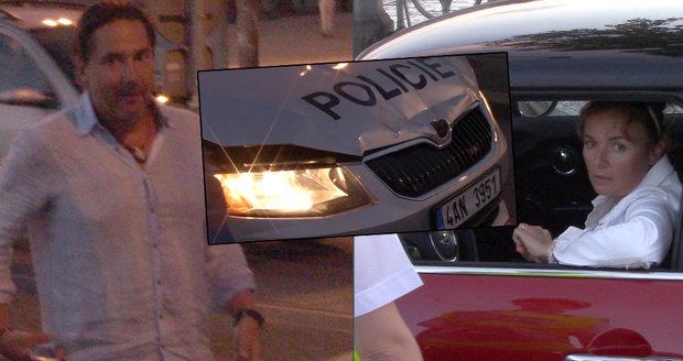 Herci Munzarová a Trnavský v Praze bourali. Při autonehodě byl zraněn policista.