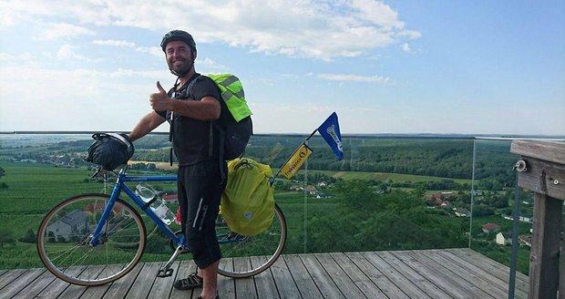 Míra Michálek projel Chorvatsko na kole.