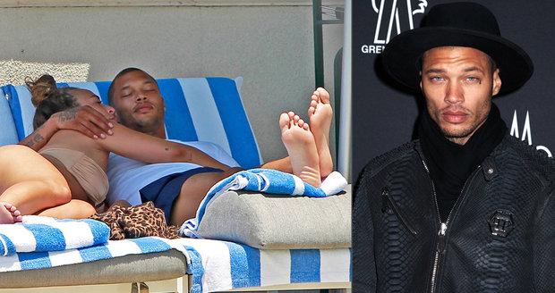 Nejkrásnější kriminálník Jeremy Meeks: Odešel od manželky kvůli miliardové milence