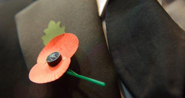 V Anglii a Kanadě je den, kdy si připomínají válečné veterány, spojený s květem vlčího máku.