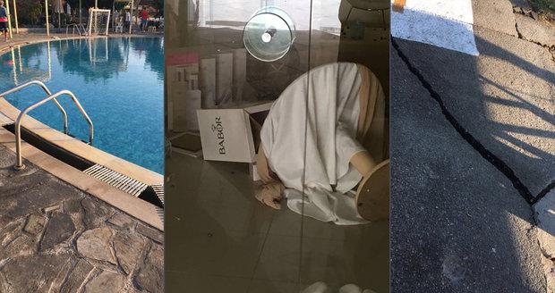 Češi na Kosu vybíhali z hotelu ve spodním prádle. Tereza: Postel strašně skákala