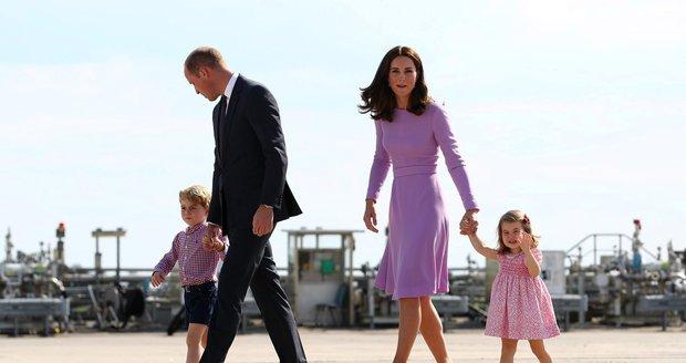 William, Kate a jejich děti George a Charlotte na oficiální návštěvě Německa.