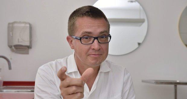 Šmucler chce pro zubaře 10 miliard. A tvrdí, že bez příplatku prodělávají i v Praze