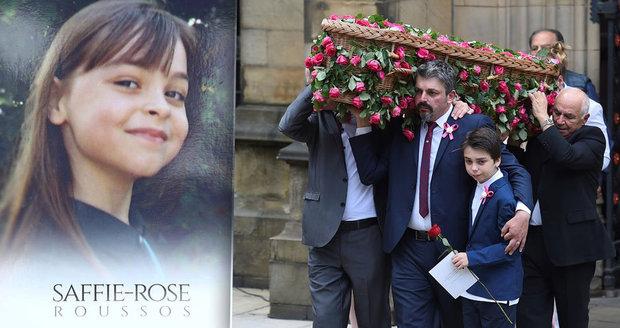 Pohřeb nejmladší oběti teroru v Manchesteru: Rakev osmileté Saffie zdobily stovky růží