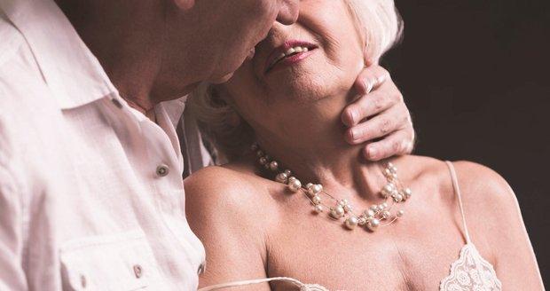 Častý pohlavní styk i ve vyšším věku přispívá k fyzické a psychické pohodě.