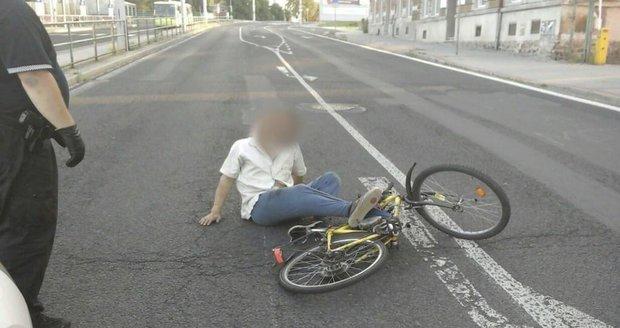 Cyklista (67) byl tak opilý, že nebyl schopen ani chůze. Ilustrační foto.