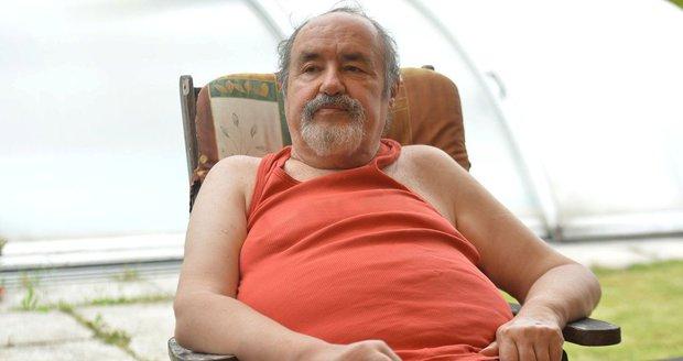 Bavič Petr Novotný oslavil v neděli 70. narozeniny.