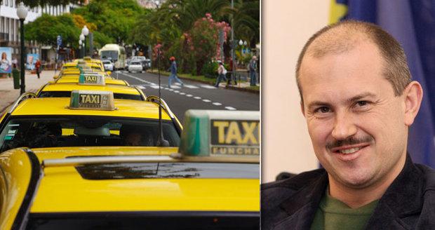 Nadával na radikála Kotlebu, taxikář ho proto surově zmlátil. Muž nevidí na jedno oko