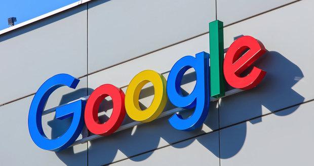 Google a Facebook dostaly ránu v Bruselu. Vydavatelům mají začít platit