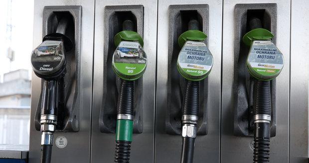 Nejlevnější benzin je na Ústecku, nafta na Královéhradecku. Ceny stagnují