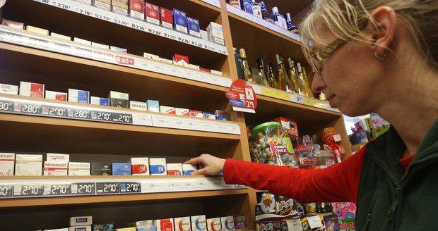 Schillerová chce vyšší daně na alkohol i tabák. Krabička podraží o 13, láhev rumu o 9 korun