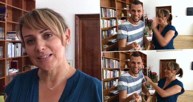 Adriana Krnáčová uvedla 100. díl pořadu Selfie z Prahy. A pak ji reportér Matěj Smlsal překvapil...