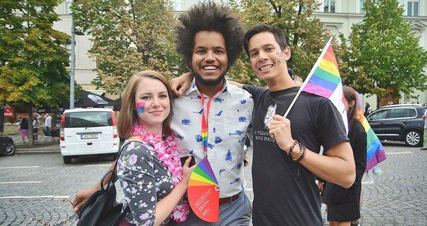 Prague Pride letos přilákalo ještě víc lidí. V průvodu jich bylo okolo 35 tisíc