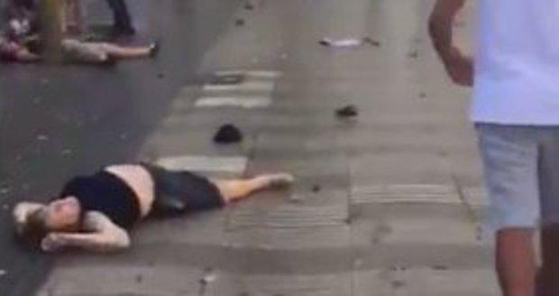 VIDEO: Byl to teroristický útok? V Torontu najela dodávka do lidí na chodníku