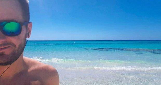 Marek Ztracený na nudistické pláži