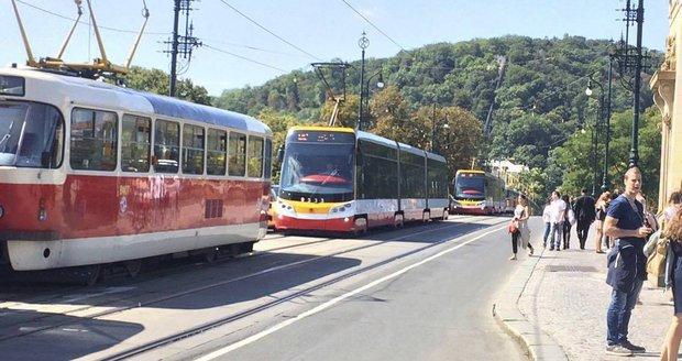 Rekonstrukce tramvajové trati v centru bude pokračovat.