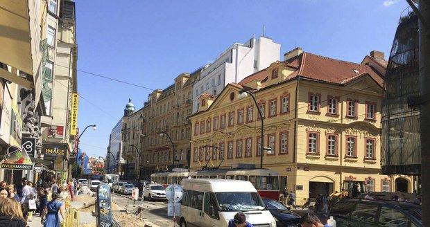 V centru Prahy zkolabovala doprava