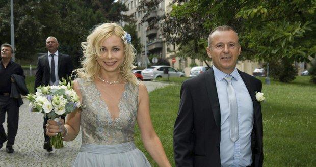 Herečka Jaroslava Stránská se vdala za dlouholetého partnera Pavla Hollitzera.