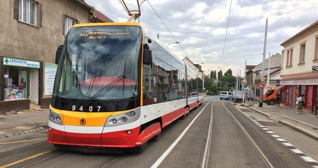 O víkendu končí rekonstrukce tramvajové trati v Kobylisích mezi vozovnou a křižovatkou ulic Klapkova - Březiněveská.
