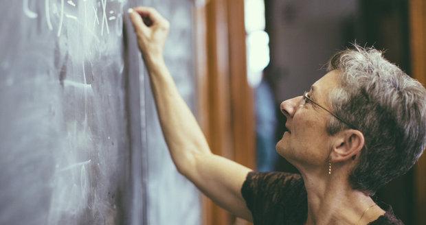 Učitelé v Česku mohou vyhrát 50 tisíc. Do nové soutěže je nominují i rodiče