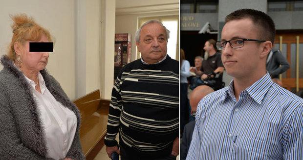 ONLINE Dusno u soudu s Nečesaným: Soudce dal vyvést manžela kadeřnice!