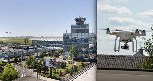 Dron ohrožoval letecký provoz v Praze.