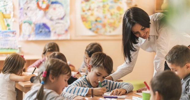 Pro děti od pěti let je předškolní docházka do MŠ povinná a platí stejné podmínky jako ve škole.