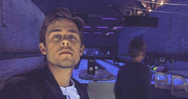 Vincent Navrátil na bowlingu se synovcem Kryšpínem