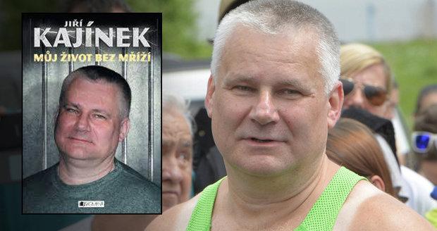 Knihkupectví uspořádalo autogramiádu Kajínkovi: Vrah mezi regály rozlítil zákazníky