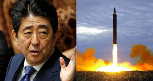 Ve stínu obav z útoku KLDR: Japonský premiér rozpustí parlament, chce předčasné volby